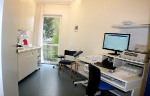 Labor Schreibtisch